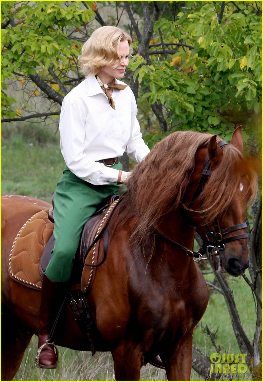 nicole kidman horseback riding for grace kelly 172737094
