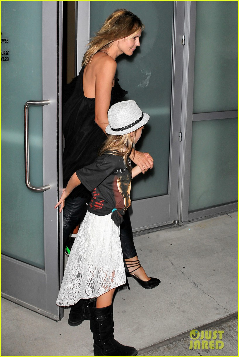 heidi klum justin bieber concert with martin kristen and kids 01