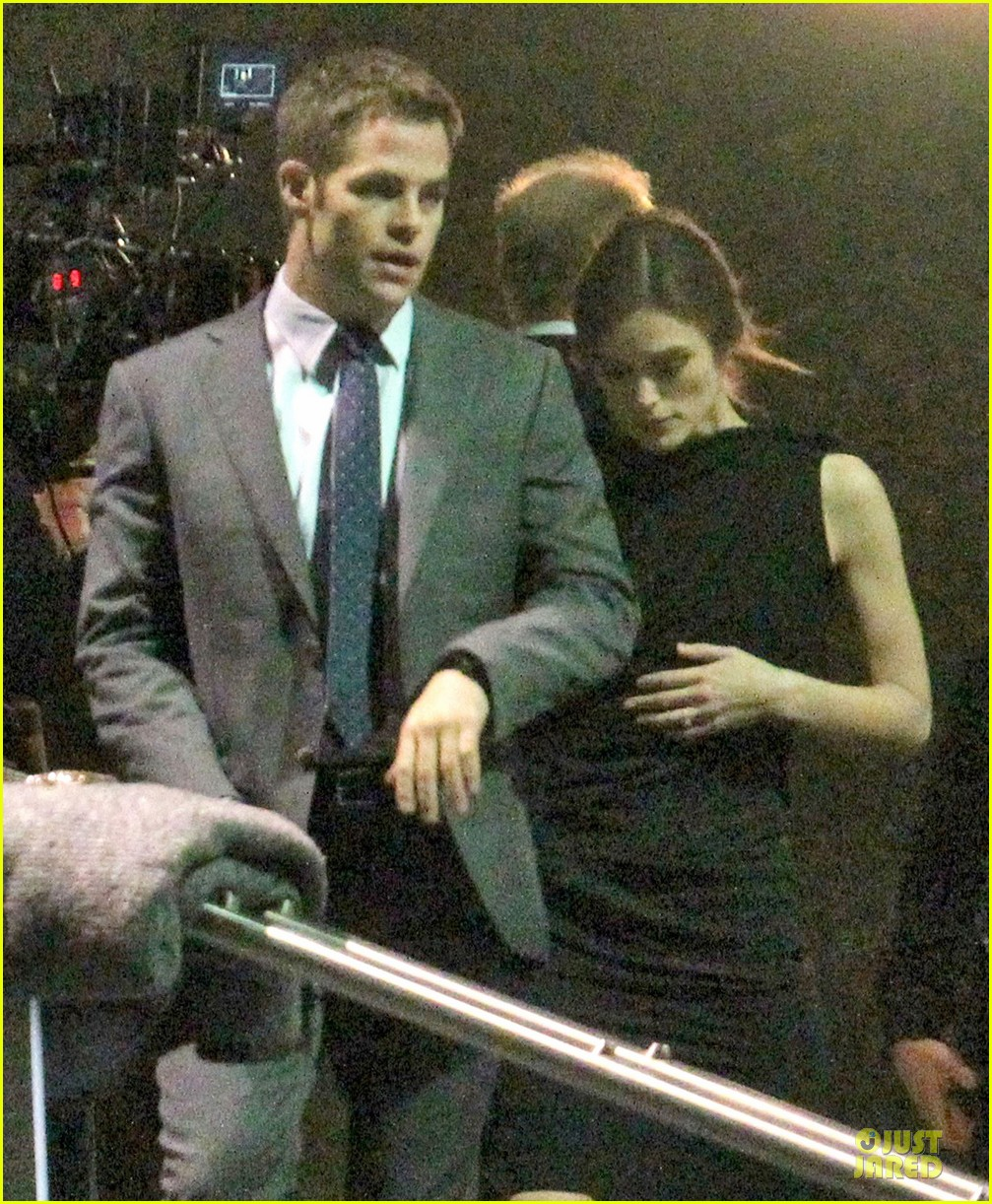 keira knightley chris pine kissing scene jack ryan set 04