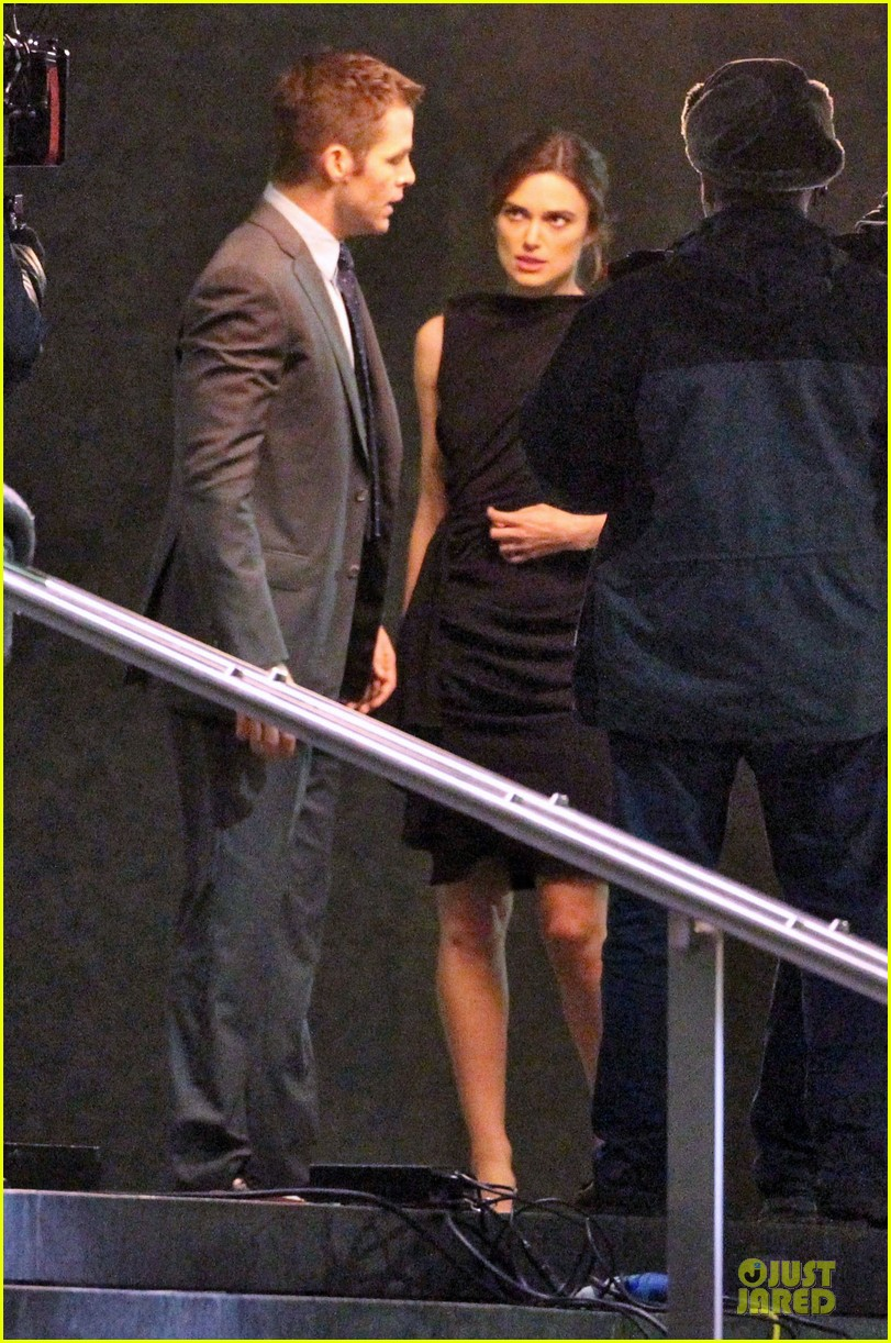 keira knightley chris pine kissing scene jack ryan set 08