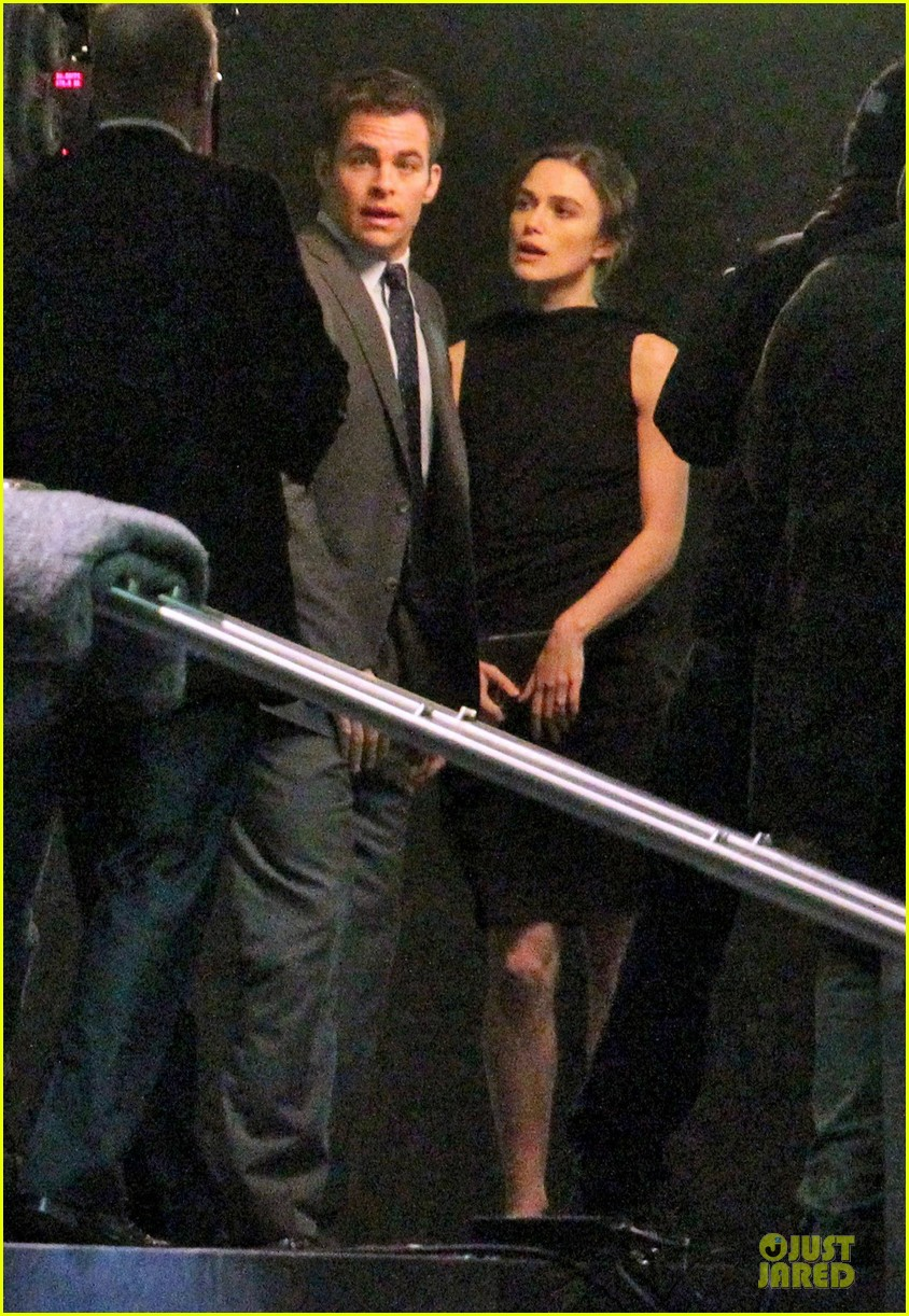 keira knightley chris pine kissing scene jack ryan set 16