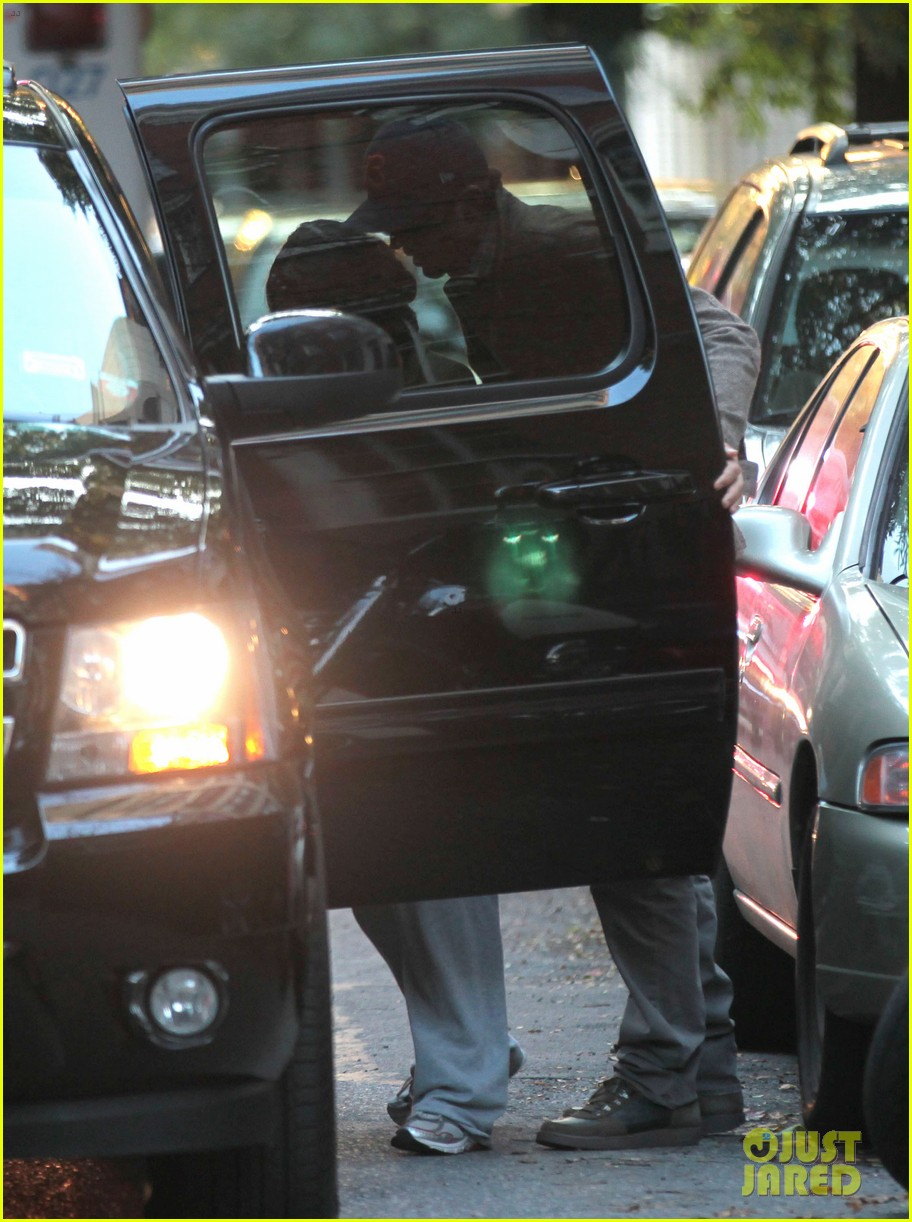 mila kunis ashton kutcher low profile in the big apple 08
