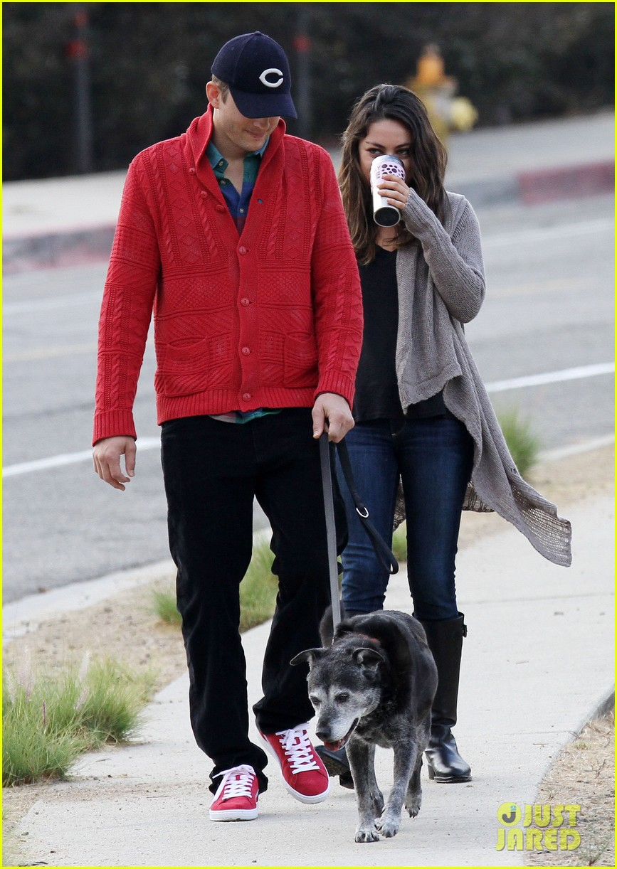 ashton kutcher mila kunis monday morning dog walk 17