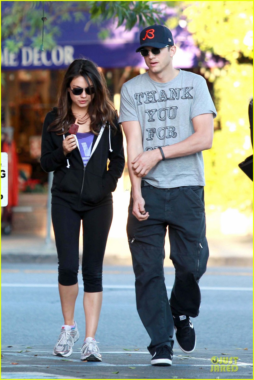 ashton kutcher mila kunis thank you for loving each other 04