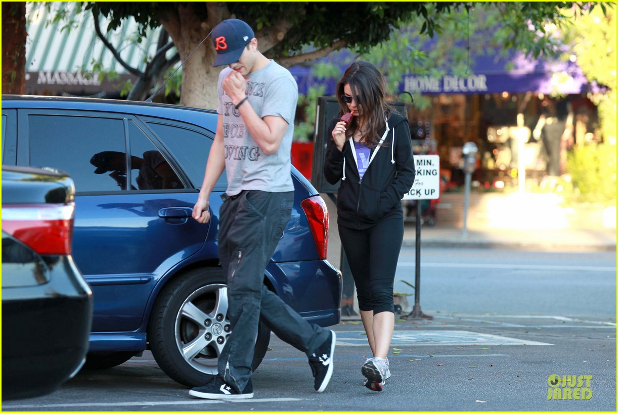 ashton kutcher mila kunis thank you for loving each other 16