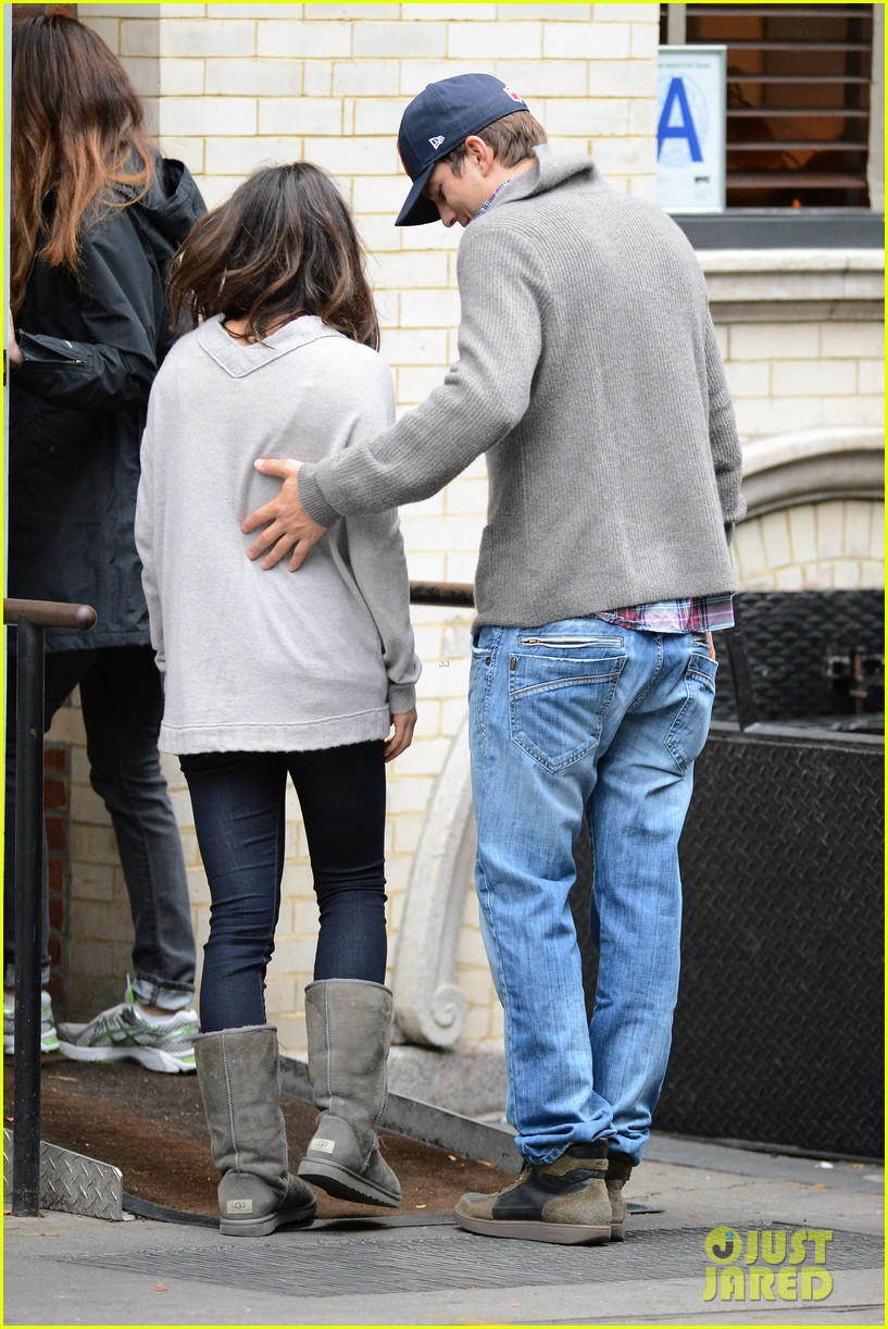 ashton kutcher mila kunis west village dinner date 062735271