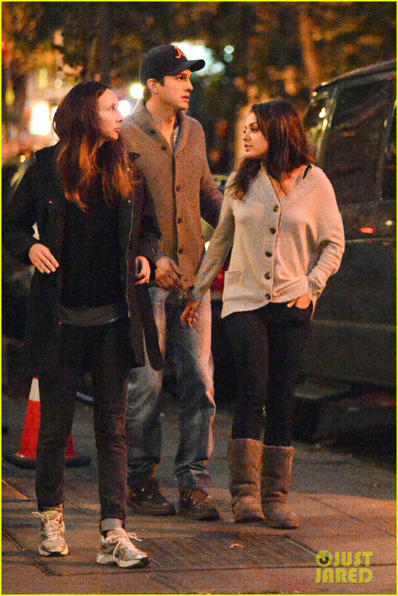 ashton kutcher mila kunis west village dinner date 142735279