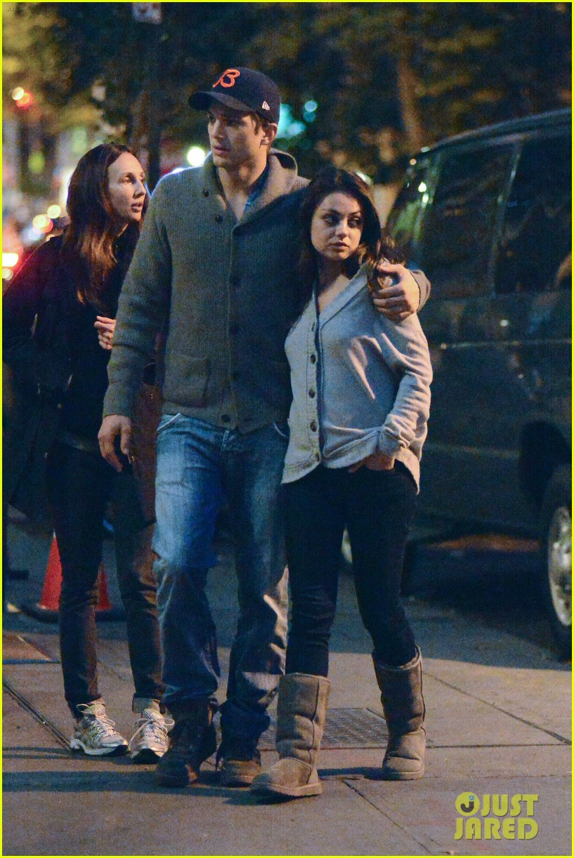 ashton kutcher mila kunis west village dinner date 212735286