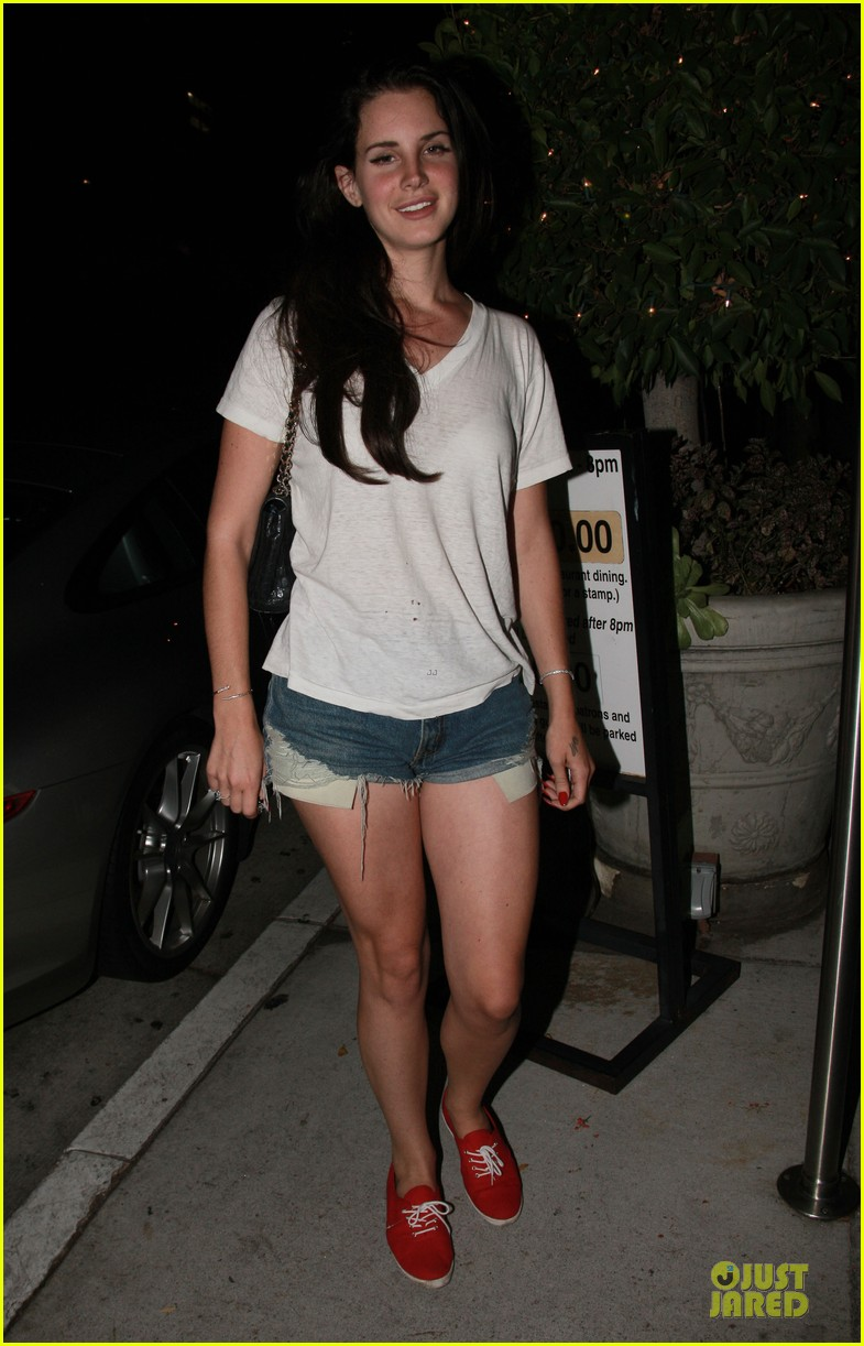 lana del rey short shorts in los angeles 03