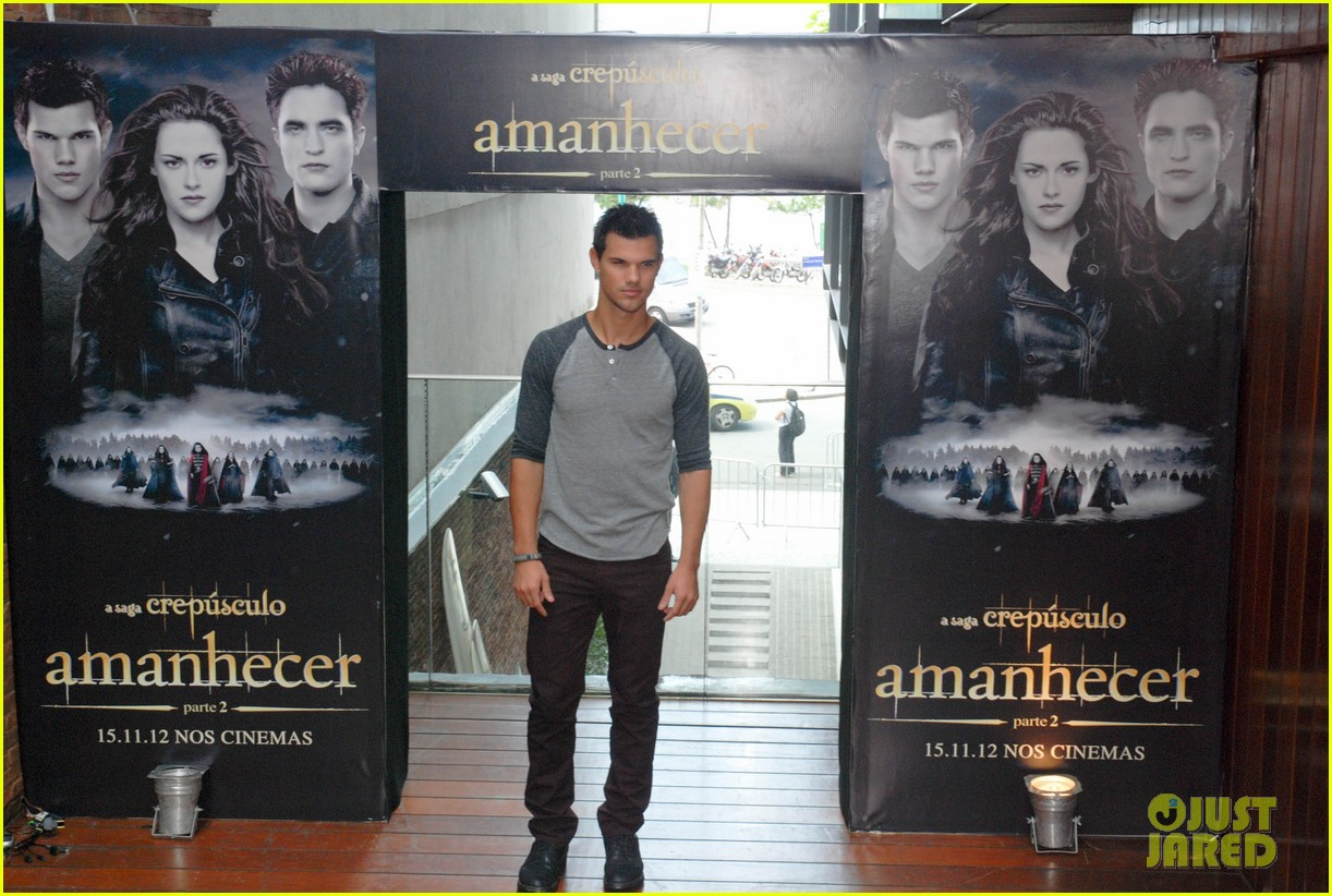taylor lautner twilight breaking dawn promotional event rio 09