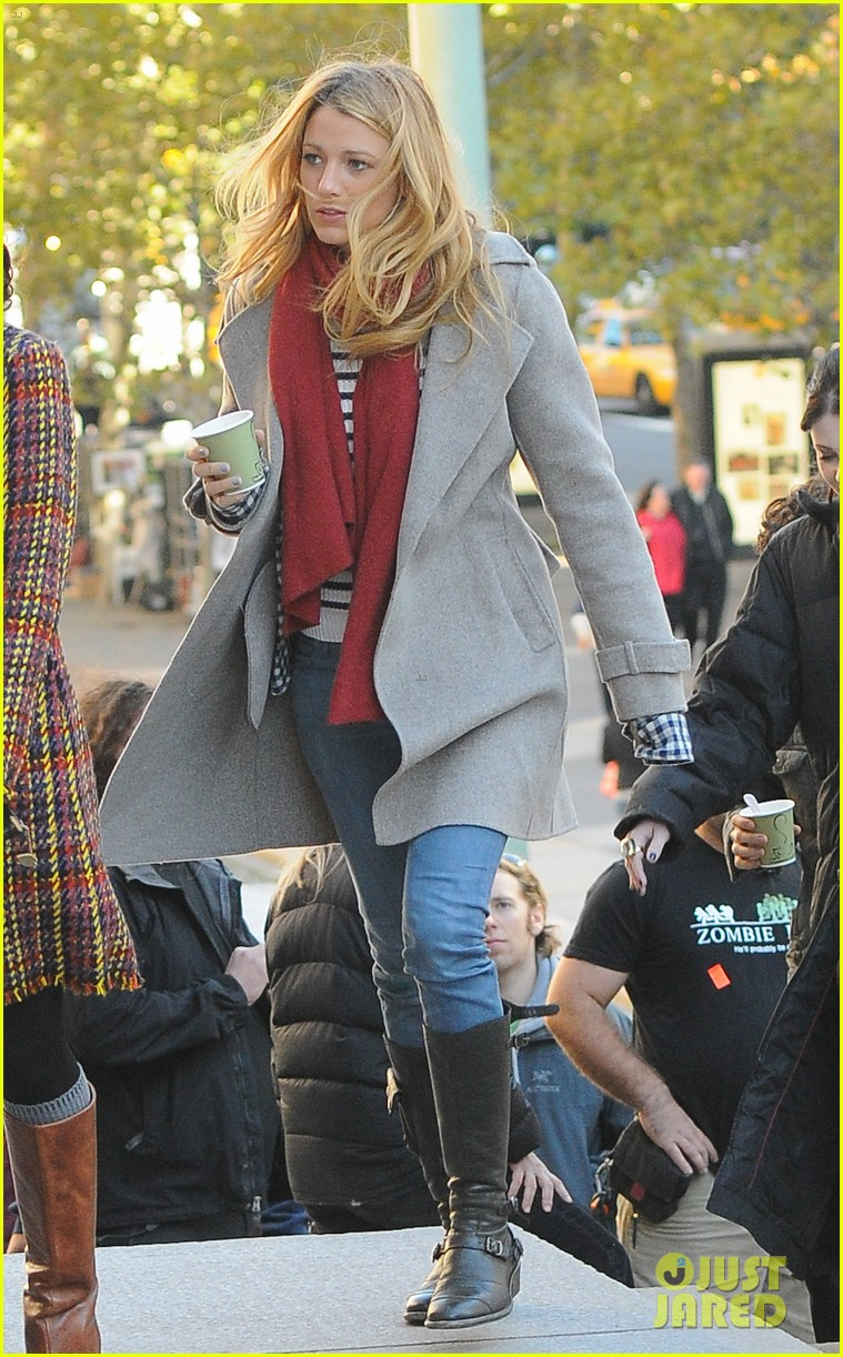 blake lively penn badgley gossip girl friday 01