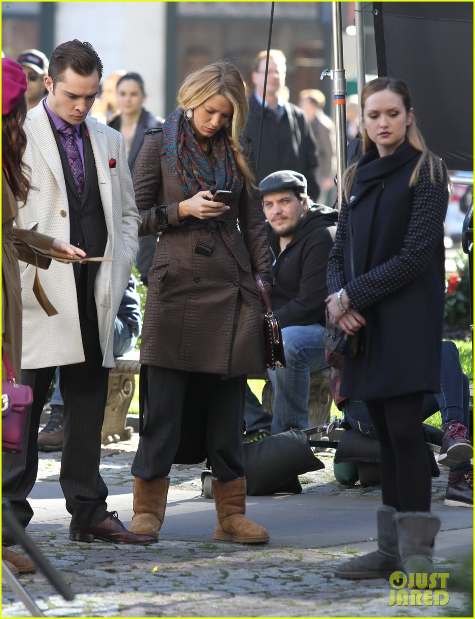blake lively gossip girl set with leighton meester ed westwick 01