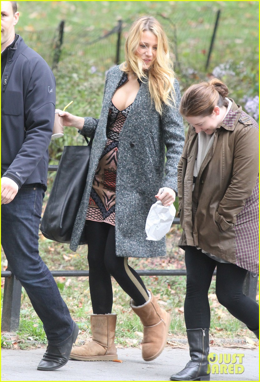 blake lively leighton meester gossip girl set 06