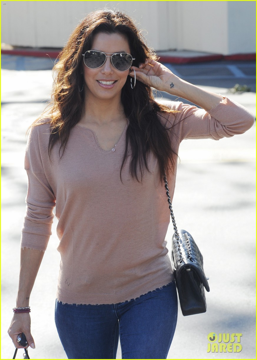 eva longoria smiling sunset shopper 03