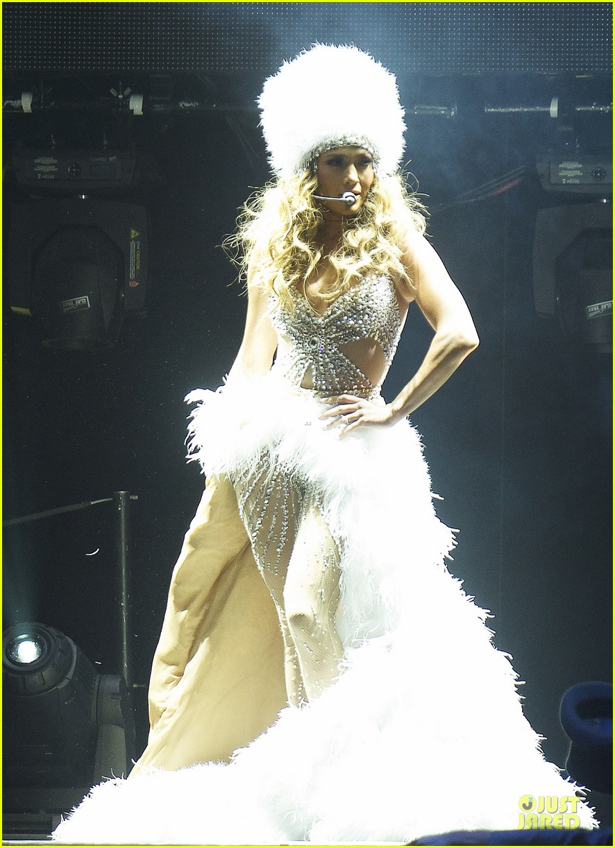 jennifer lopez madrid dance again concert 11