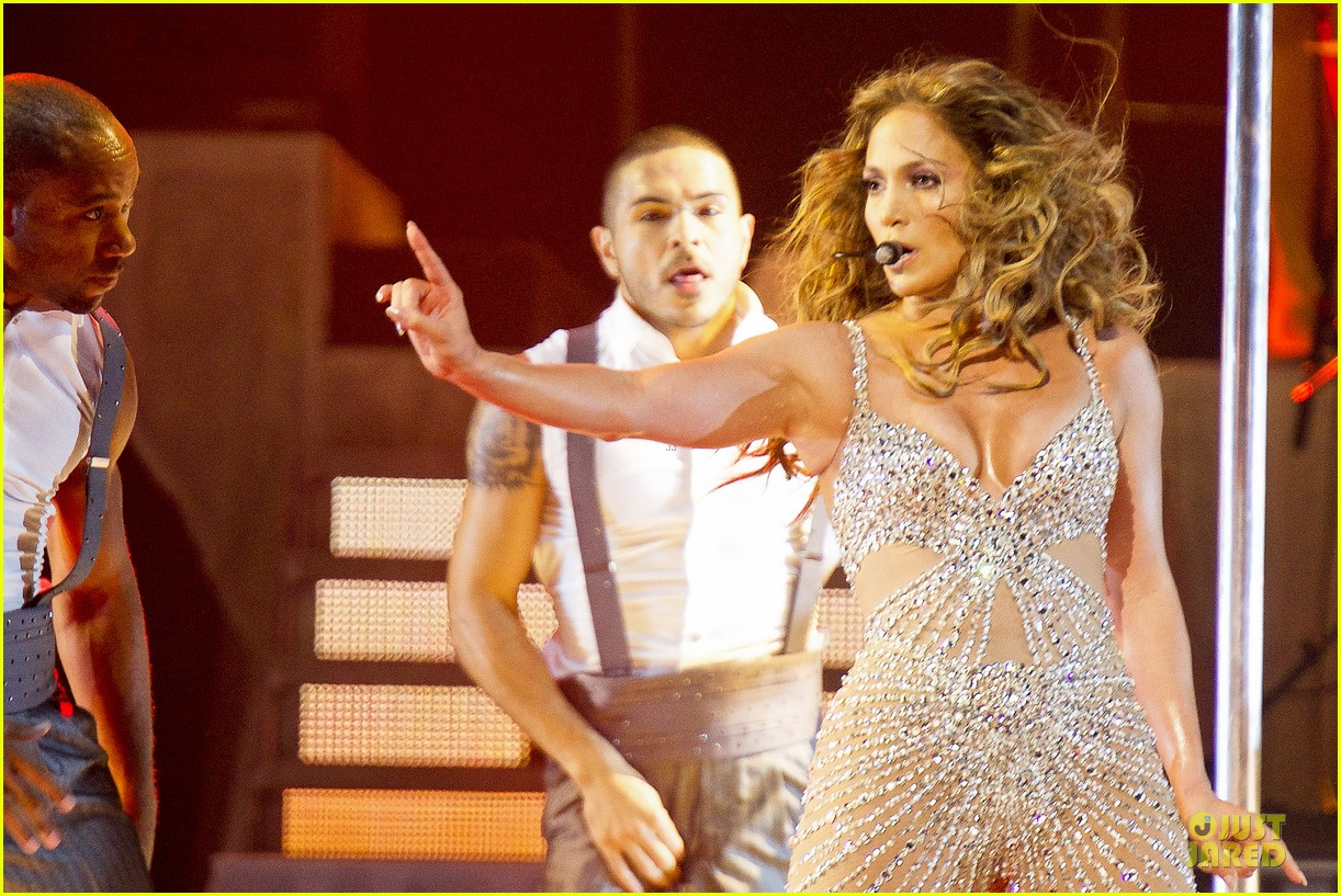 jennifer lopez madrid dance again concert 22