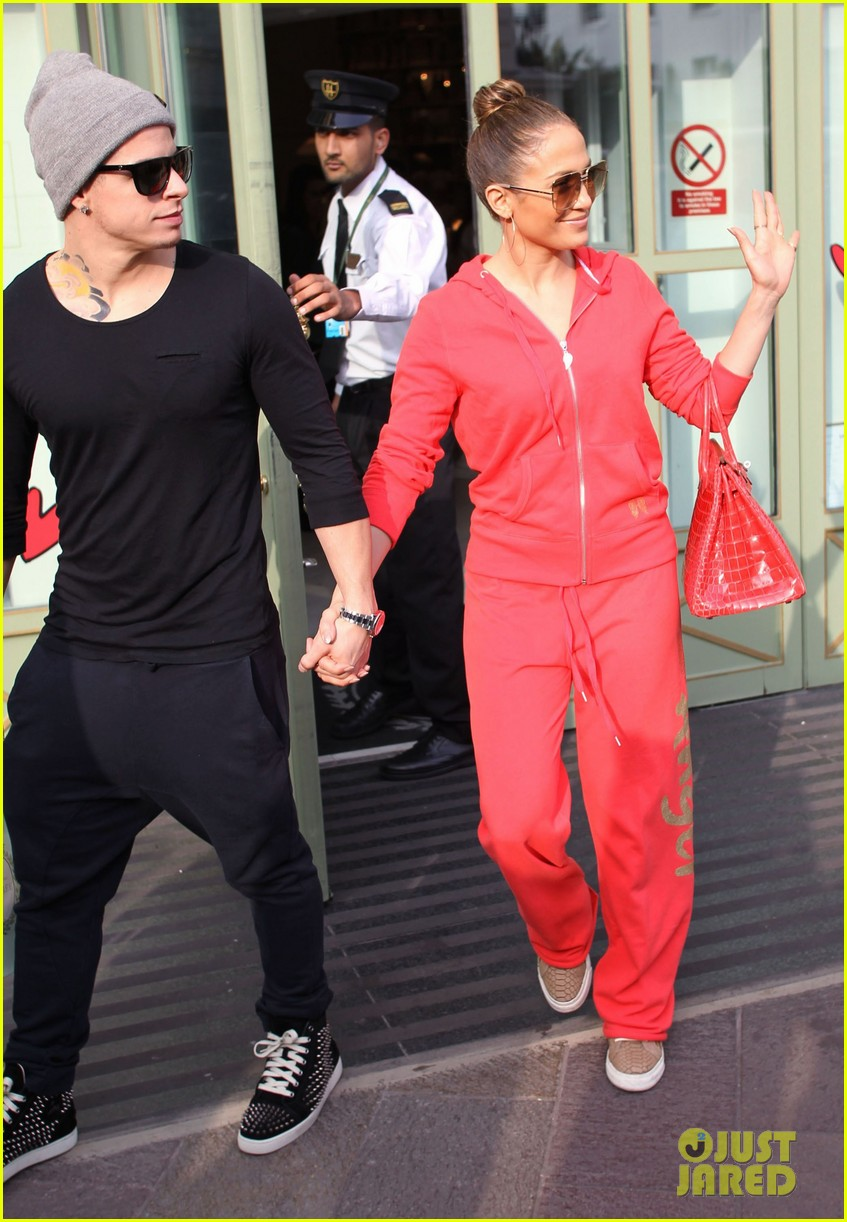 jennifer lopez harrods shopping spree with casper smart 052744111