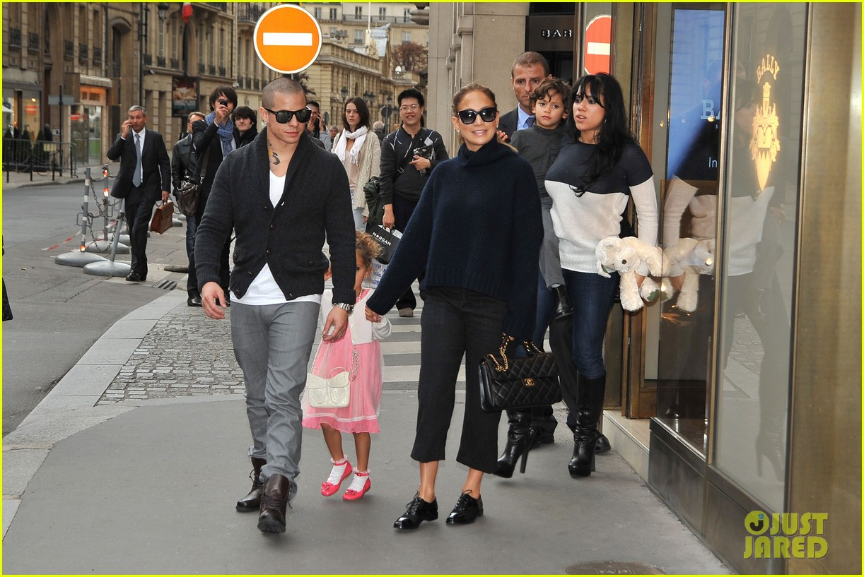 jennifer lopez shopping with casper and the kids 072732230