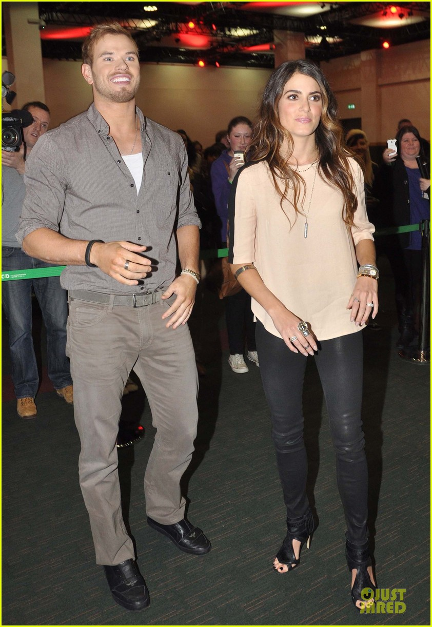 kellan lutz nikki reed twilight saga breaking dawn signing session 012746178