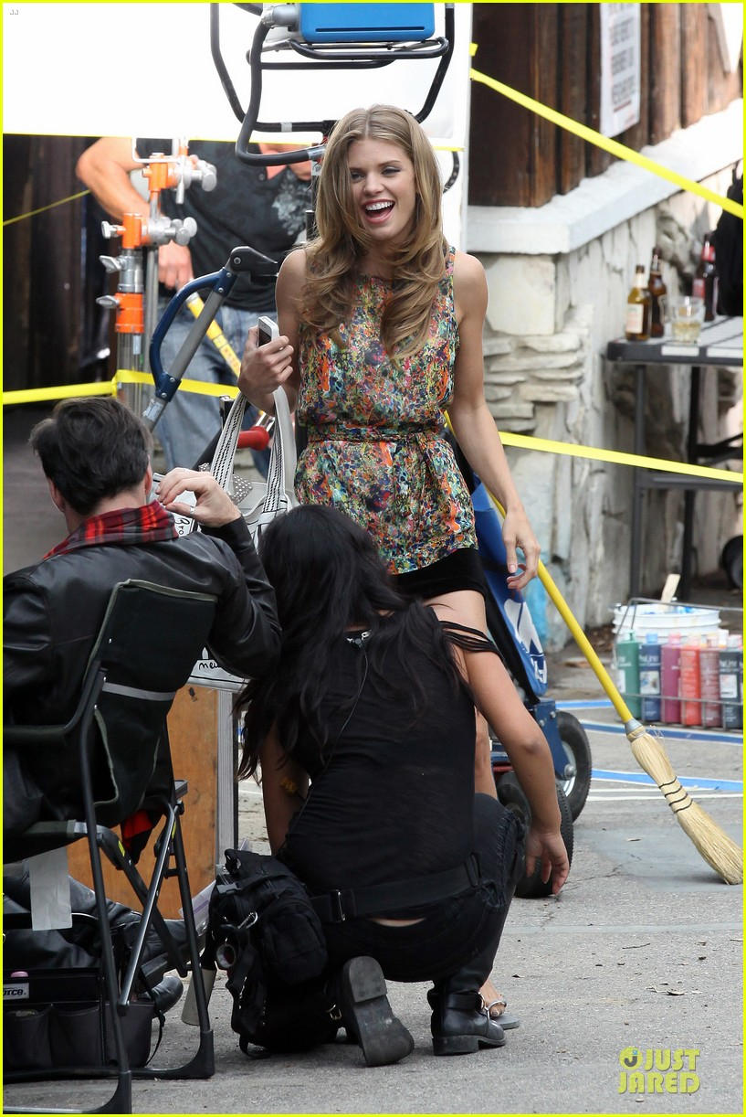 annalynne mccord camera phone fun on 90210 set 06