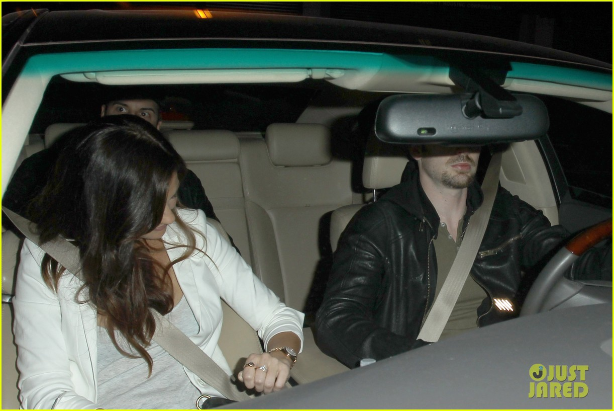 minka kelly chris evans sayers club couple 02