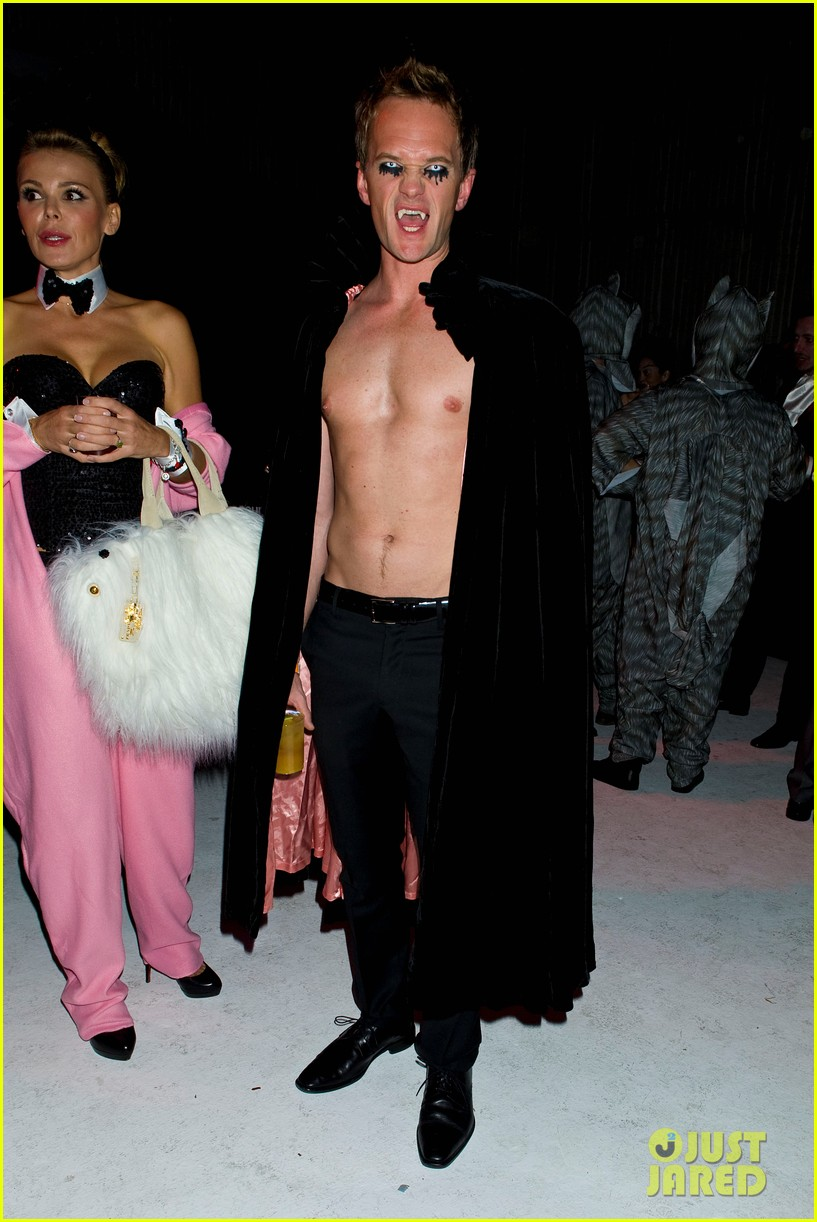 neil patrick harris shirtless just jared halloween party 022747609
