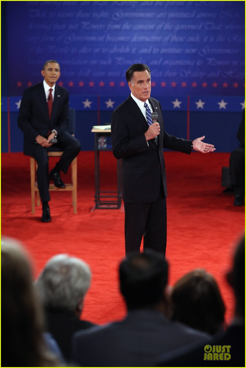 barack obama mitt romney second presidential debate 02