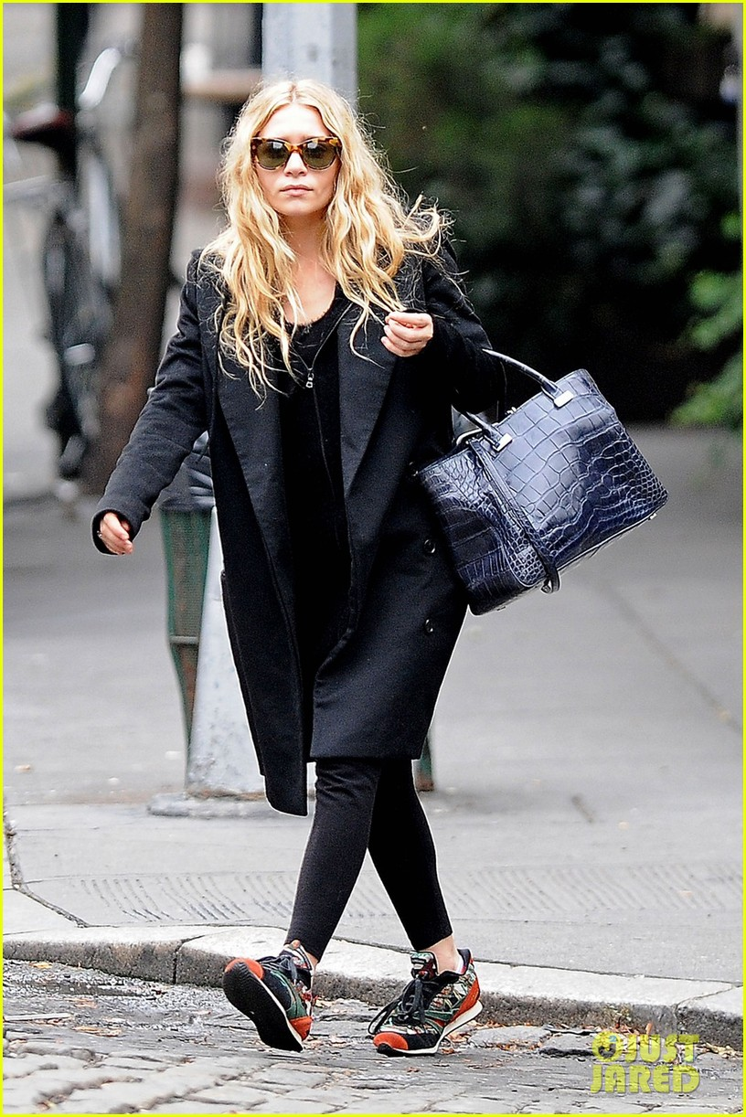 ashley olsen soho stroll 03