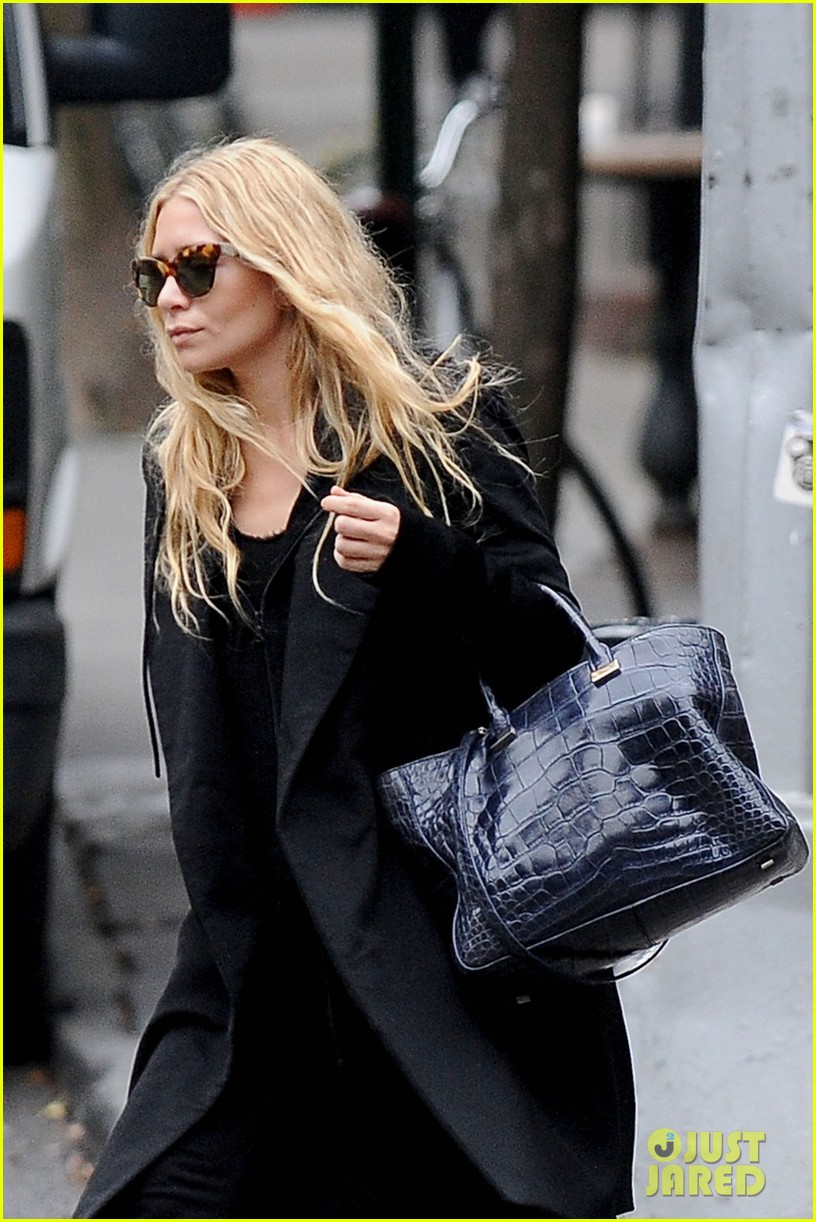 ashley olsen soho stroll 04