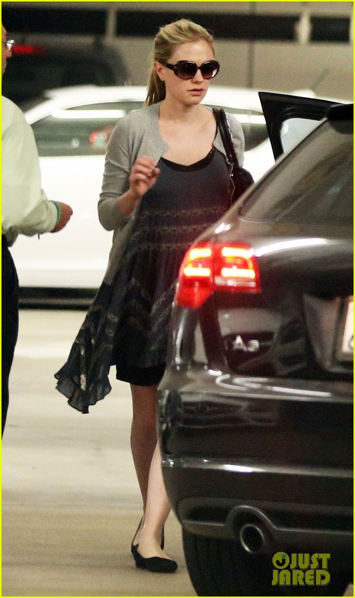 anna paquin visits her twins at cedars sinai hospital 062731864