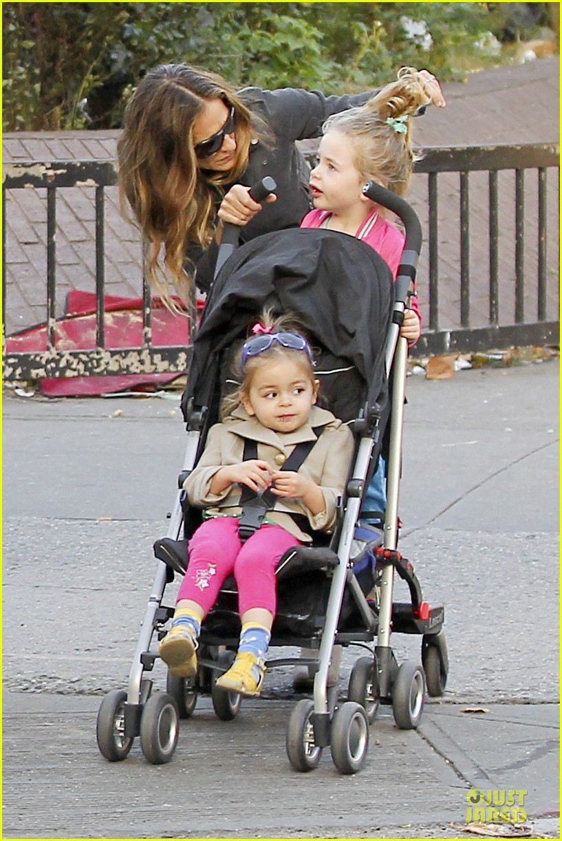 sarah jessica parker school walk with james marion tabitha 272743842