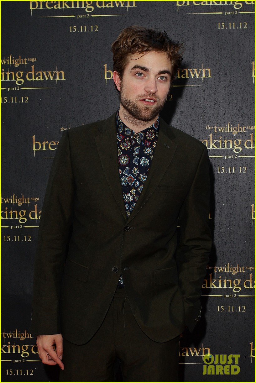 robert pattinson twilight saga breaking dawn part 2 fan event in sydney 012742511