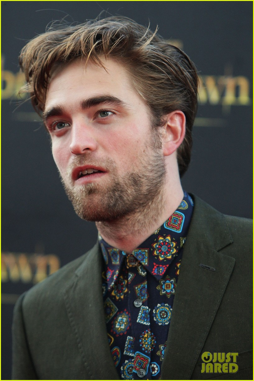 robert pattinson twilight saga breaking dawn part 2 fan event in sydney 032742513
