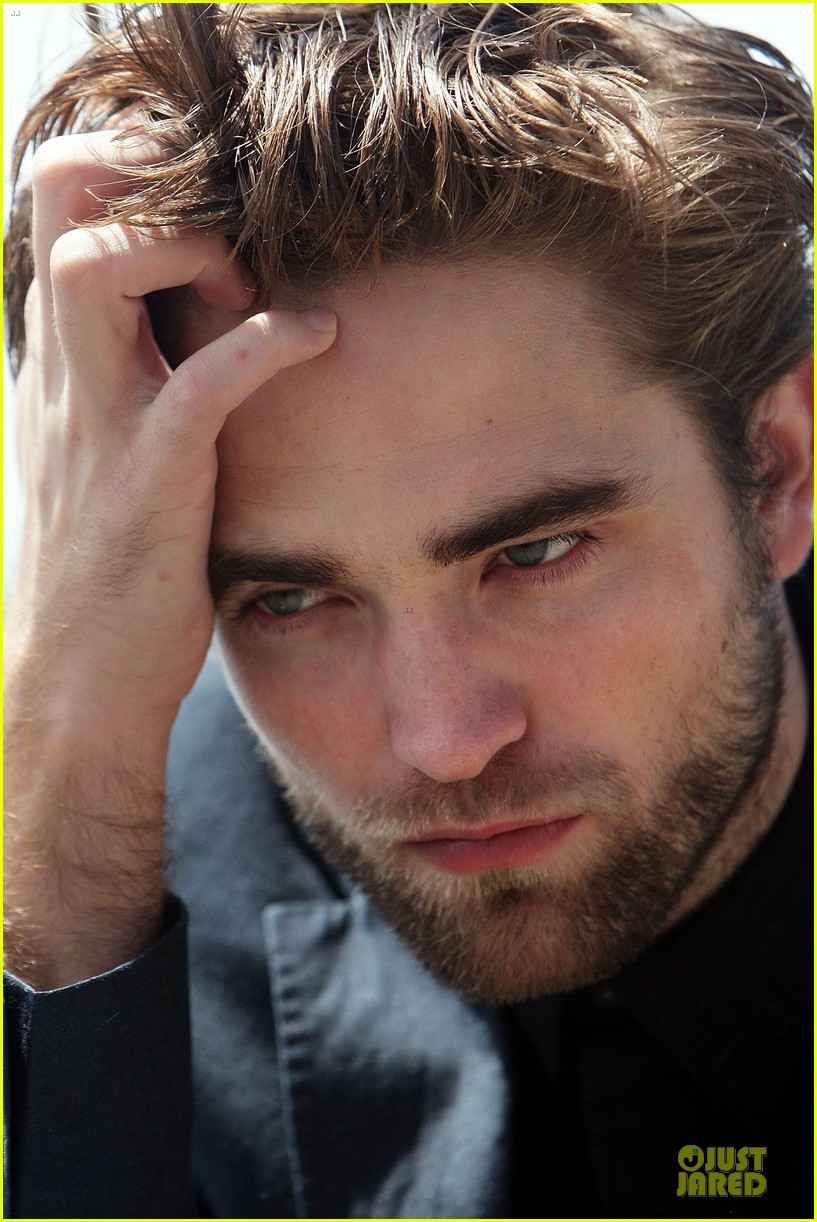 robert pattinson twilight breaking dawn part two photo call in australia 19