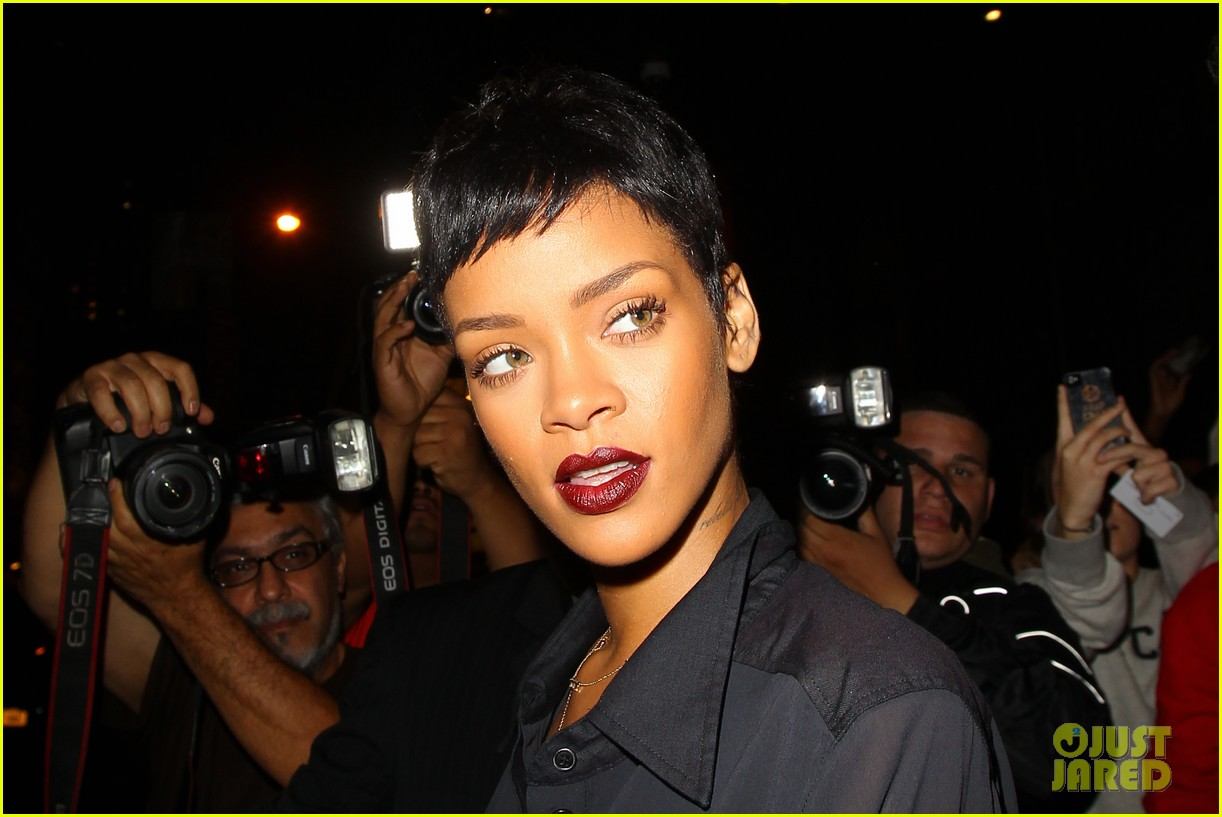 rihanna chris brown gansevoort hotel departure 02