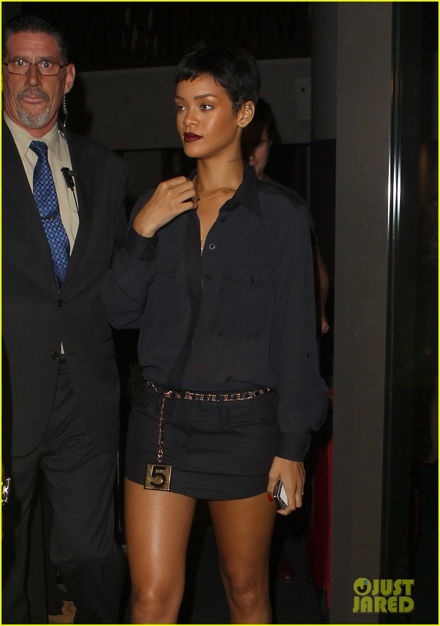rihanna chris brown gansevoort hotel departure 06