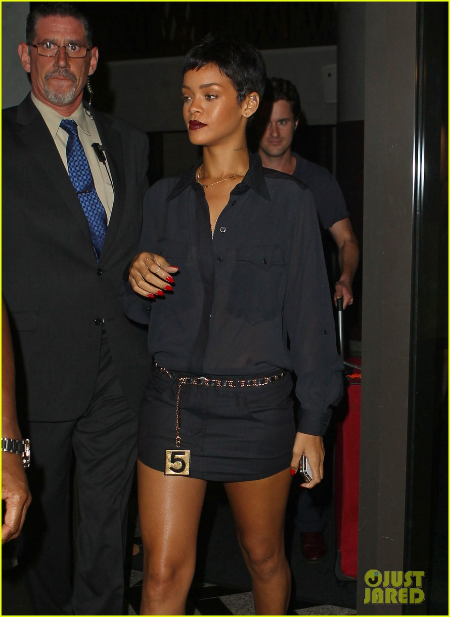 rihanna chris brown gansevoort hotel departure 072732684