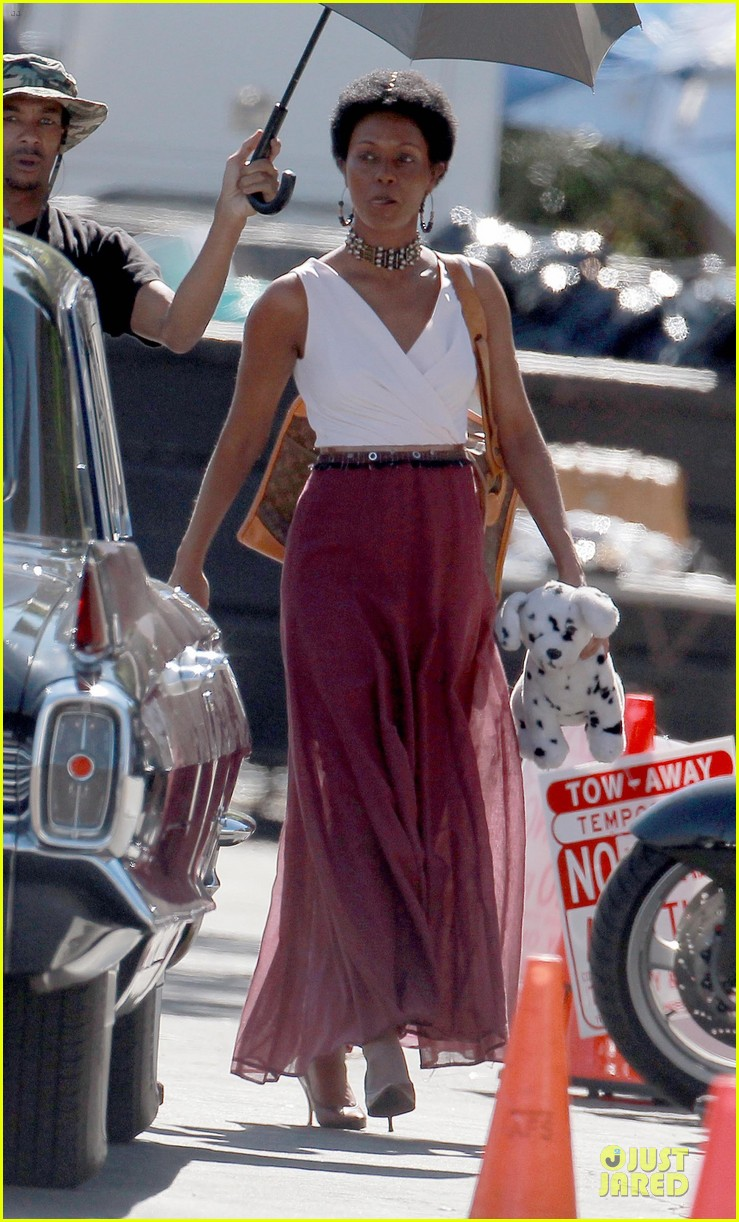 zoe saldana nina set with a dalmation 14
