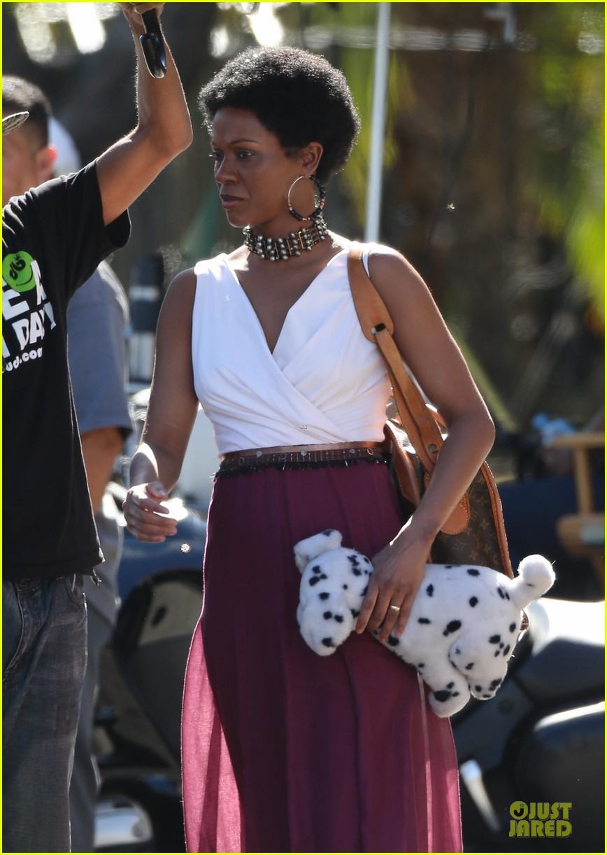 zoe saldana nina set with a dalmation 20