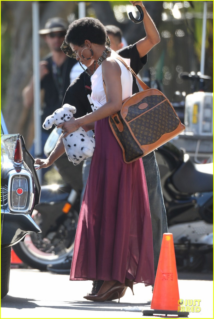 zoe saldana nina set with a dalmation 212746262