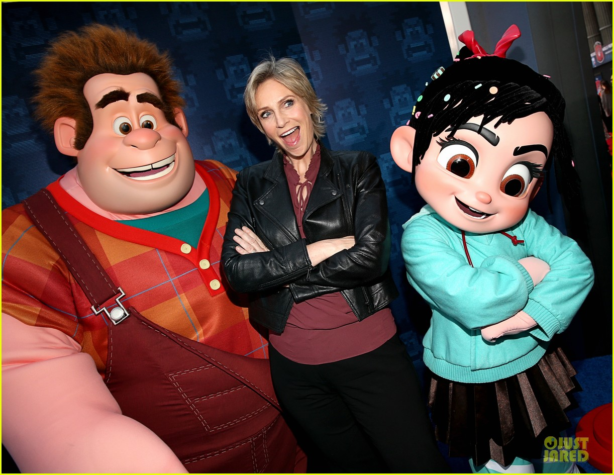 sarah silverman john c reilly wreck it ralph premiere 04