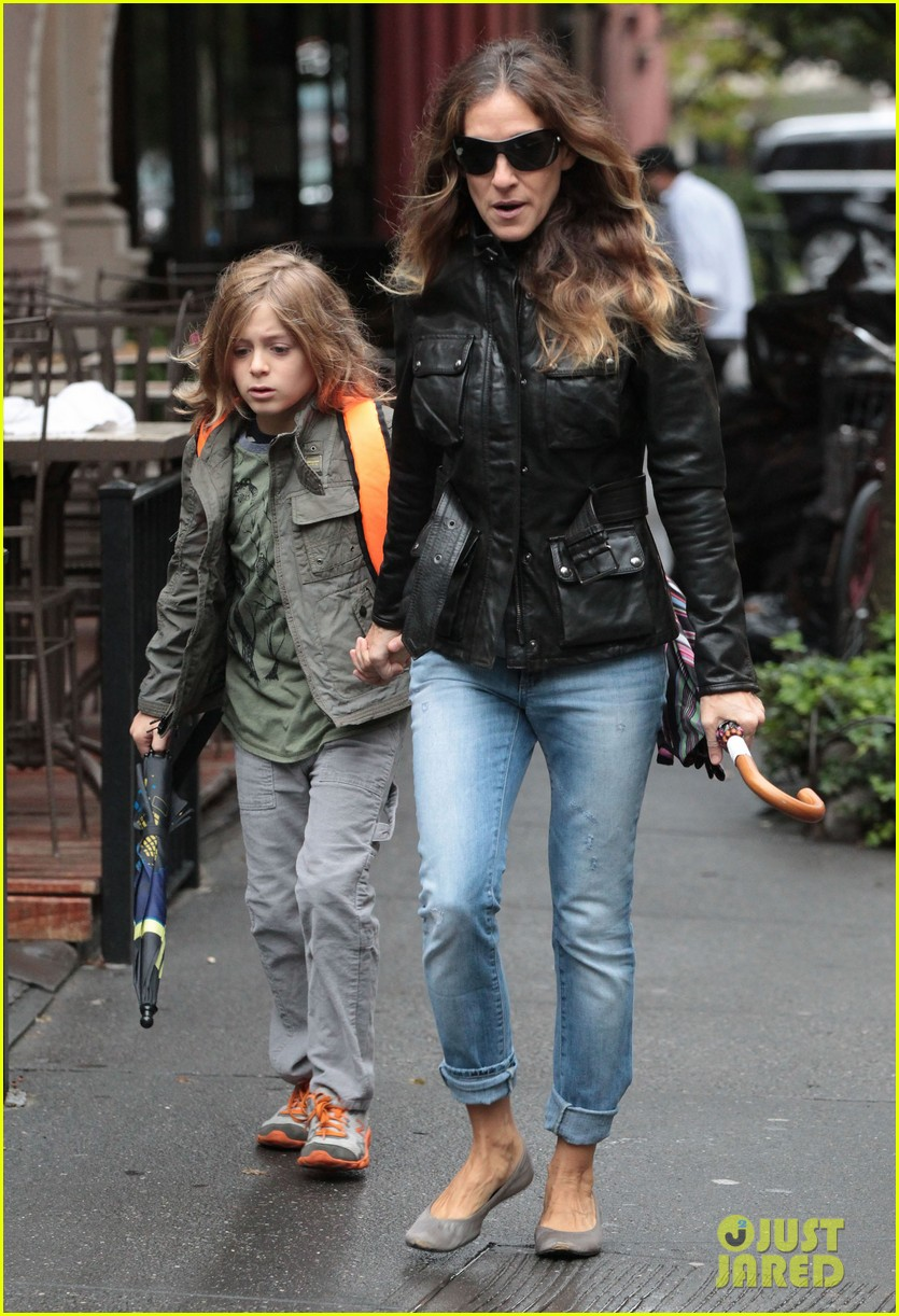 sarah jessica parker big apple morning with kids 07