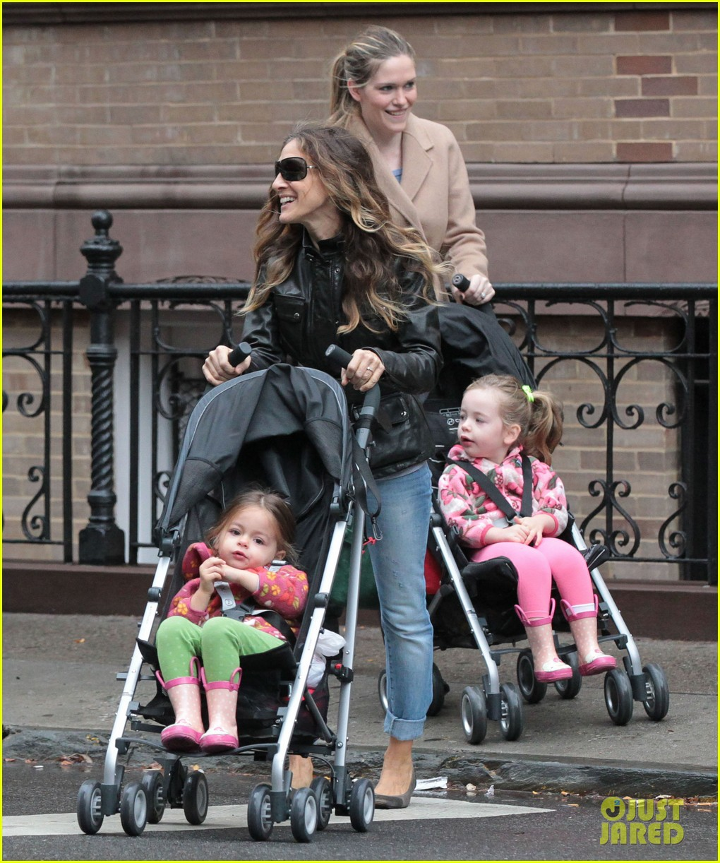 sarah jessica parker big apple morning with kids 102736498