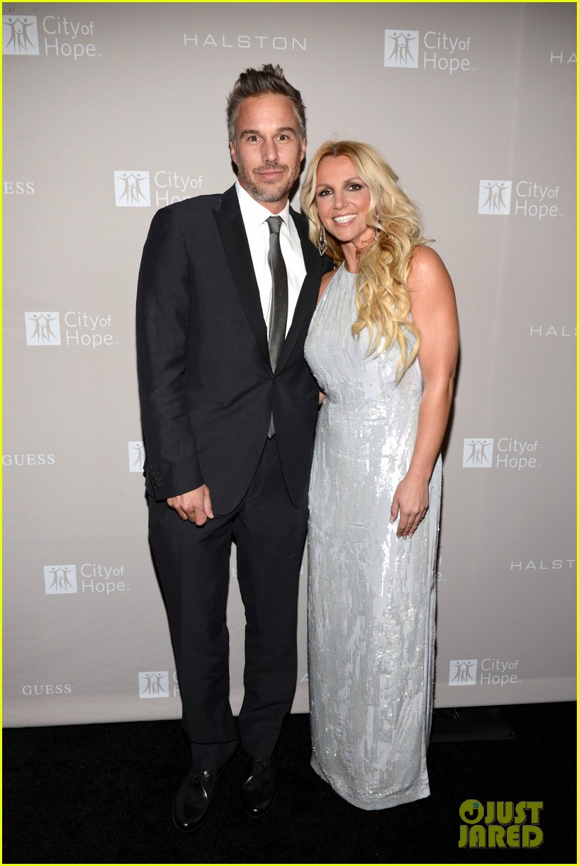 britney spears city of hope gala with jason trawick 052736366