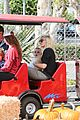 gwen stefani gavin rossdale pumpkin patch with the kids 18