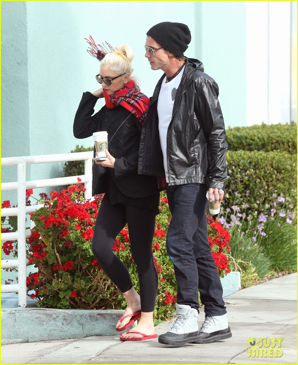 gwen stefani gavin rossdale coffee run studio city 19