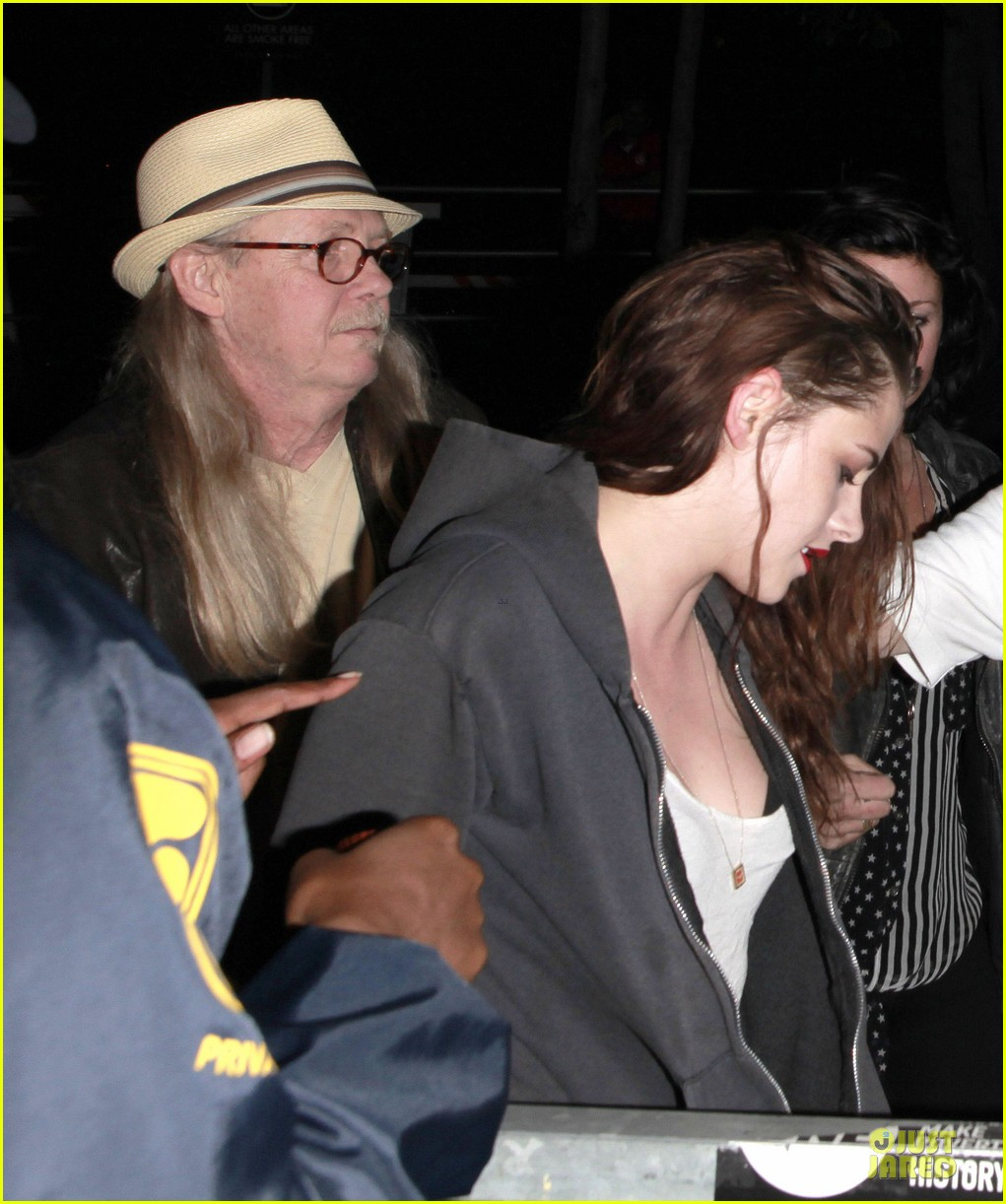kristen stewart florence and the machine concert with father 132734796