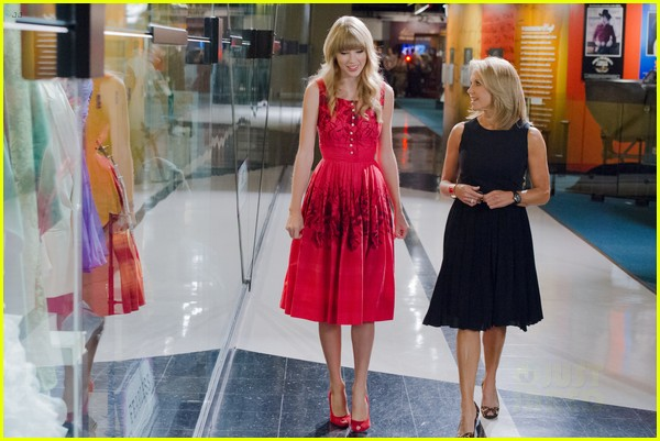 taylor swift red target commercial watch now 042740124