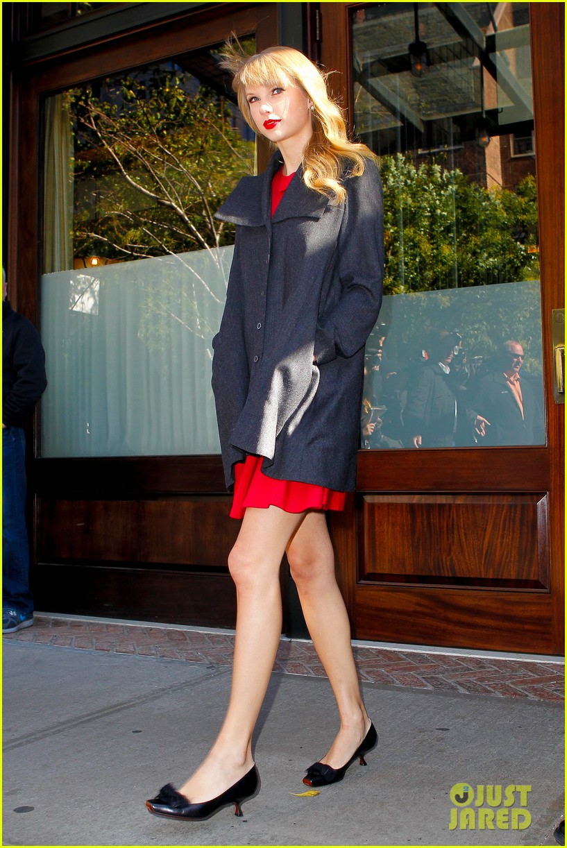 taylor swift red promotion in new york city 06