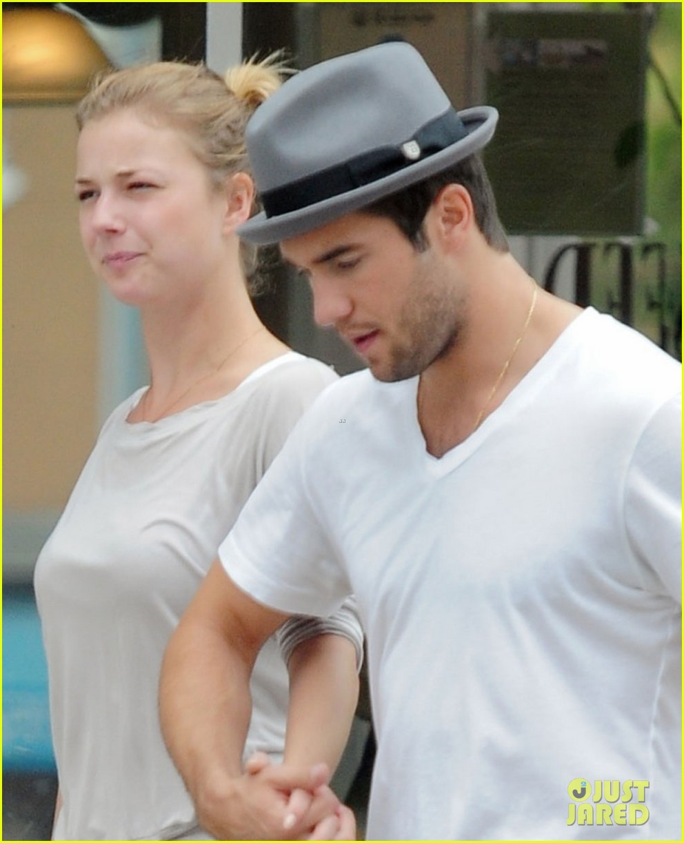 emily vancamp josh bowman brunch flower shopping 022740721